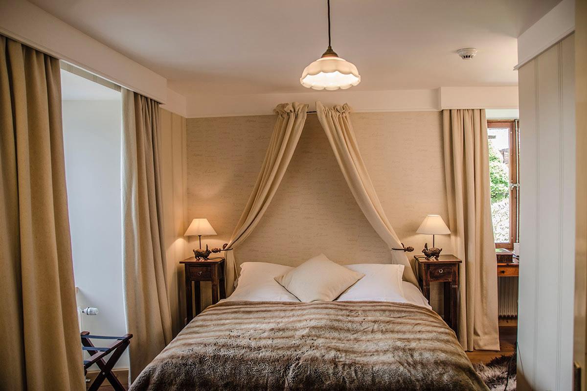 """Voir la page de l'établissement """"Grand Hôtel Bella Tola & St-Luc"""""""