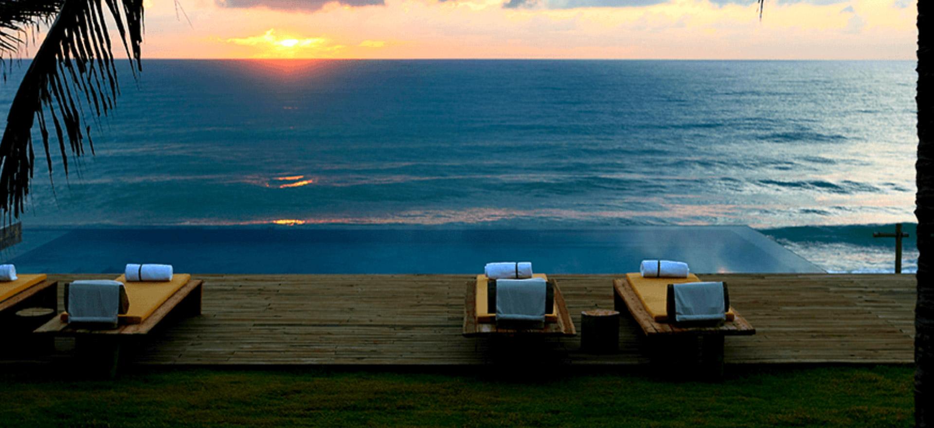 """Voir la page de l'établissement """"Kenoa Exclusive Beach Spa & Resort"""""""